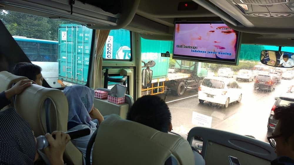 karaoke di bus