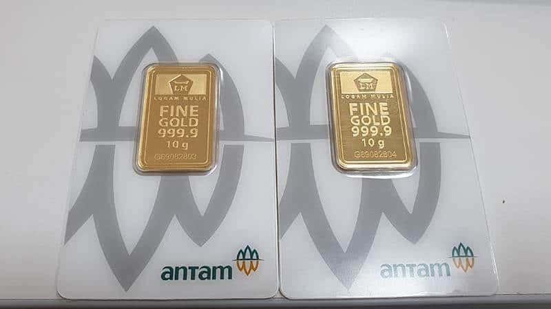 dua keping emas antam